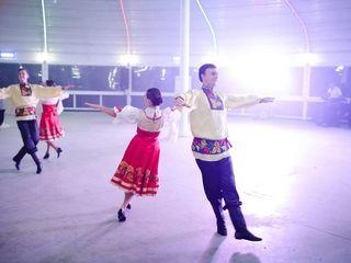 Dansatori cu program Rusesc - Ansamblul Basarabenii