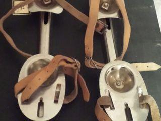 Коньки двухполосные устойчивые безразмерные надеваются на любую вашу обувь