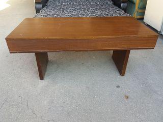 Продаю столы, стулья.
