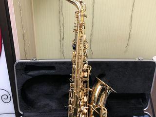 Vand Saxofon ALTO marca Parrot nou