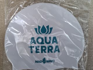 Продам шапку для плавания-НОВАЯ В УПАКОВКЕ