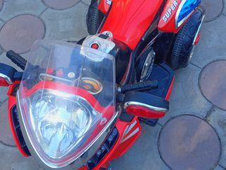 Vindem motocicleta electrica