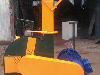 tocător de crengi+Измельчитель древесины+tocător din lemn+ измельчитель веток 3500 евро