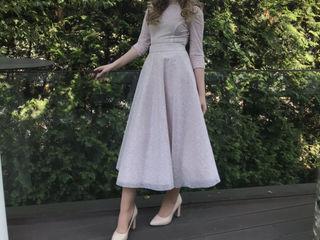 Продам очень красивые женские платья, покупали за 300 и 200€