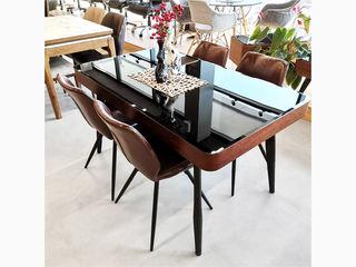 Набор кухонный стол и стулья.