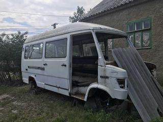 Mercedes 210d butus