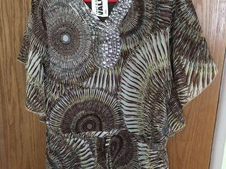 Urgent! Bluză ușoară, absolut nouă, mărimea M-L, prețul 100 lei.