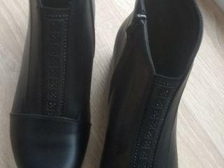 Продам новые ботинки 36р.