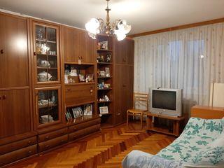 Apartament  3 odai, casa din cotilet, etaj 4/5, Botanica (str.Busuiocesti)