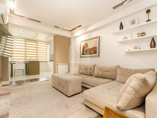 Vanzare  Apartament cu 3 camere, Centru, str. Melestiu. 78900  €