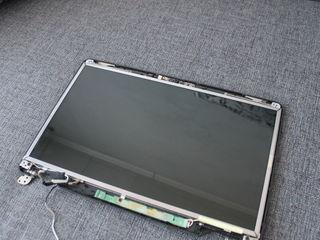 """Display 15,6"""" LCD 30pin (starea ideala )"""