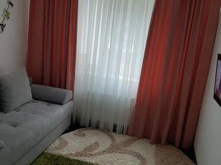 Vind apartament cu doua dormitoare si bucatarie cu salon