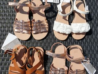 Sandale noi din piele naturală