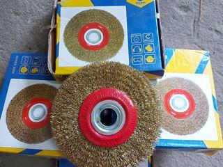 Perie metalica circulara