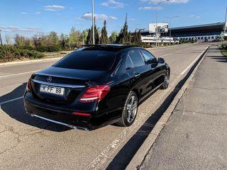Chirie/прокат Mercedes E Class W213 2017 alb/negru (белый/черный)