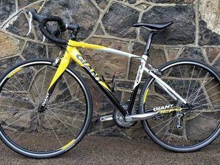 Se vinde bicicleta de sosea 4500 lei crusiera marimea s