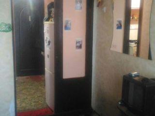 Продам 1-комнатную в здании бывшего общежития