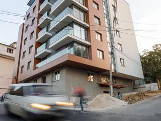 Telecentru, Resident Construct