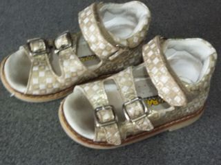 Sandalute aurii