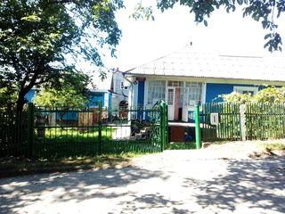 Продается просторный дом на 100 кв.м. в Центре г. Окница - 9 000 $