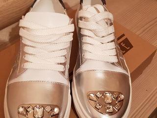Женская обувь кожа