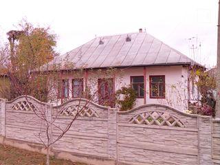 Se vinde casă+sarai sau schimb pe garsonieră in chisinău