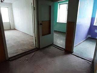 Срочно! продам 3-х комнатную квартиру.