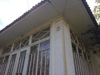 Cдается дом  на длительный срок в городе  Унгены