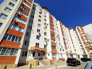 Penthouse în 2 nivele! Centru, str. Ion Inculeț, 4 camere + living. Variantă albă!
