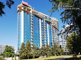 Apartament cu 5 camere, 136mp. SolomonDendrarium.Centru, vedere spre parc. Parcare subterană!