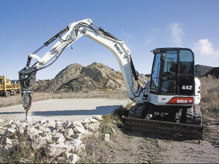 Excavatoare si miniexcavatoare plus ciocan demolator