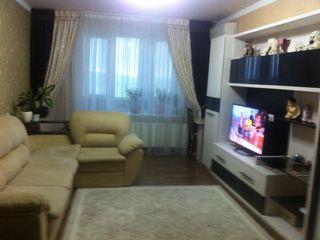 Vind apartament cu 2 odai in centrul orasului Orhei