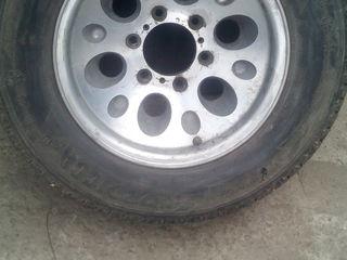 продам 5 колес с титановыми дисками 4 из них с хорошей резиной