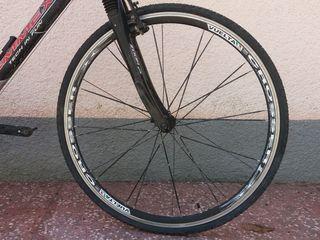 """Продам колеса Vuelta Crosser 700c (28""""). Италия. втулки XRP 24 плоские спицы. ось с эксцентриком."""