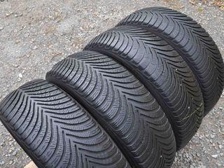 215 / 55 / R16  -  Michelin