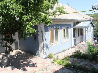 1 эт.добротный дом общ.117 м2 , на 18сотках,в центе сел.Татарешты, в 28-и км от Кишинева