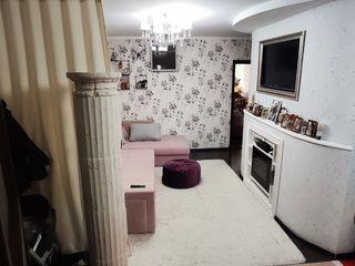 Negociabil. urgent se vinde apartament 2camere + living, 89m2 buiucani