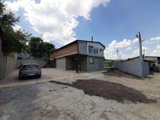 Продается ком.участок 11 сот с строением 140м2 под произ-во,склад, бизнес в Гратиештах!