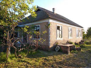 Продам капитальный дом в Парканах