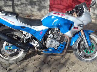 Suzuki ZS200GS