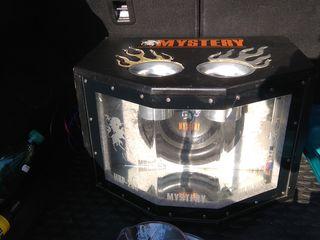 Сабвуфер+усилитель+новый комплект проводов  2300 лей