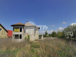 Vânzare casă cu 3 nivele, 200 mp, Durlești, 89000 €.