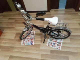 продам детский велосипед 4-8 лет в  хорошем состоянии. Новое сиденье. Без торга.