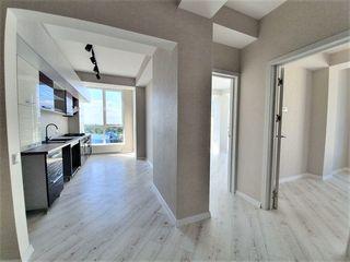 Se vinde apartament cu reparație / 64 m2.. 2 odăi separate. telecentru.