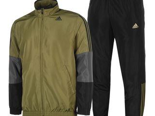 Prețuri reduse Costume sportive Adidas