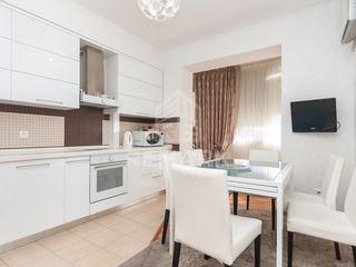 Vânzare Apartament cu 4 odăi, Bd. Renașterii Naționale 91000 €