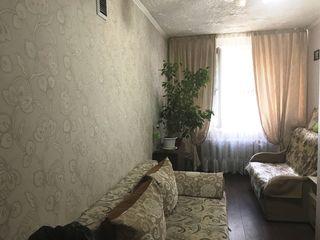 Buiucani, camera in camin cu suprafata de 14 mp, reparatie buna, 9 900 euro