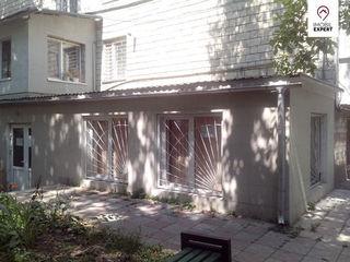 Oficii la demisol - 86 m2, Botanica, bd. Dacia