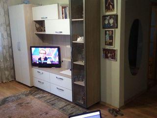Schimb ap. cu 3-i dormitoare + living la prețul de 48000 eu.  pe 2x + 1 sau 2x + eu,