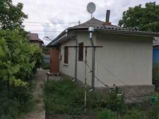 Продается 1-этажный дом 56кв.м.  на 4 соток земли в Бельцы, район Северного вокзала по ул Э. Потье 8